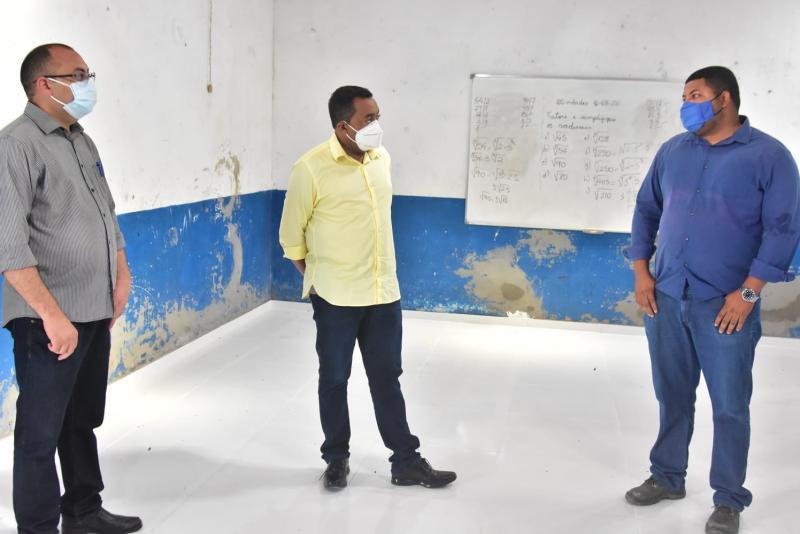 Escolas municipais de Floriano recebem obras de reestruturação