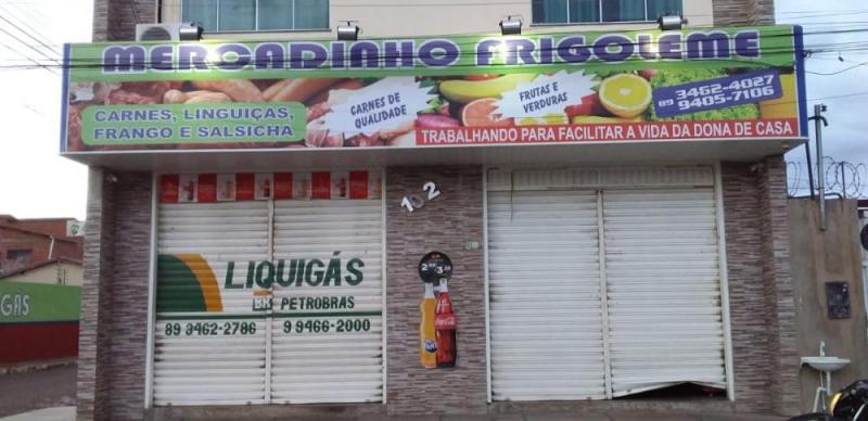 Supermercado é alvo de arrombamento na madrugada desta quinta-feira (29) em Oeiras