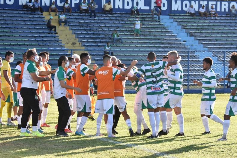Altos chega a Fortaleza para jogo contra Ferroviário pela Série C do Brasileiro