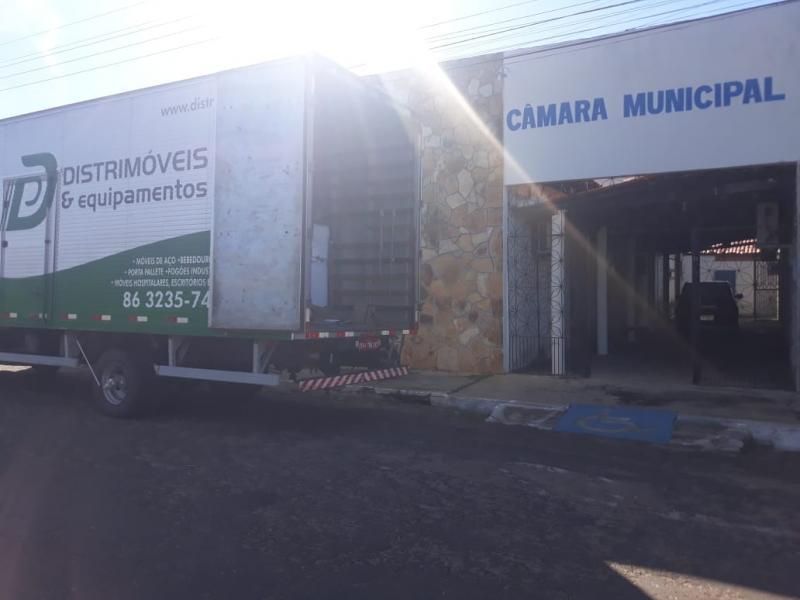 Câmara Municipal de São João da Serra adquire novas cadeiras