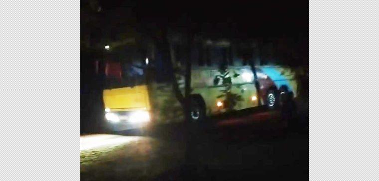 Ônibus de excursão encosta em fio de alta tensão e teresinenses morrem eletrocutado