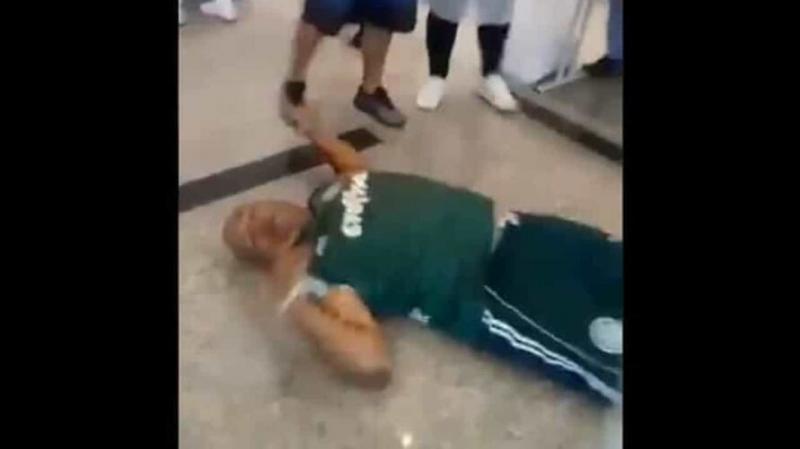 Medo de agulha: homem desmaia ao tomar vacina contra a covid-19
