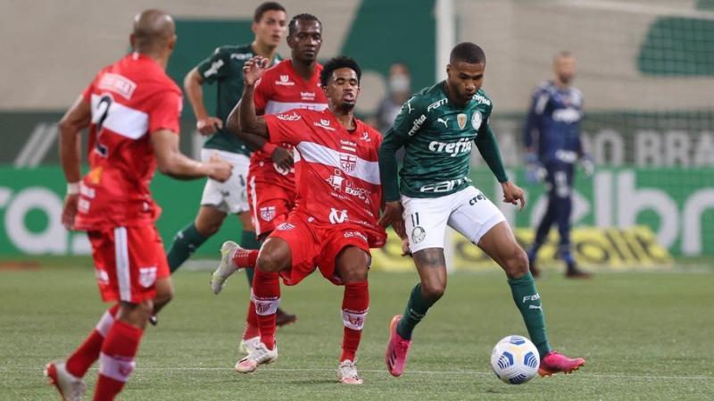 Palmeiras perde para o CRB nos pênaltis e está fora da Copa do Brasil