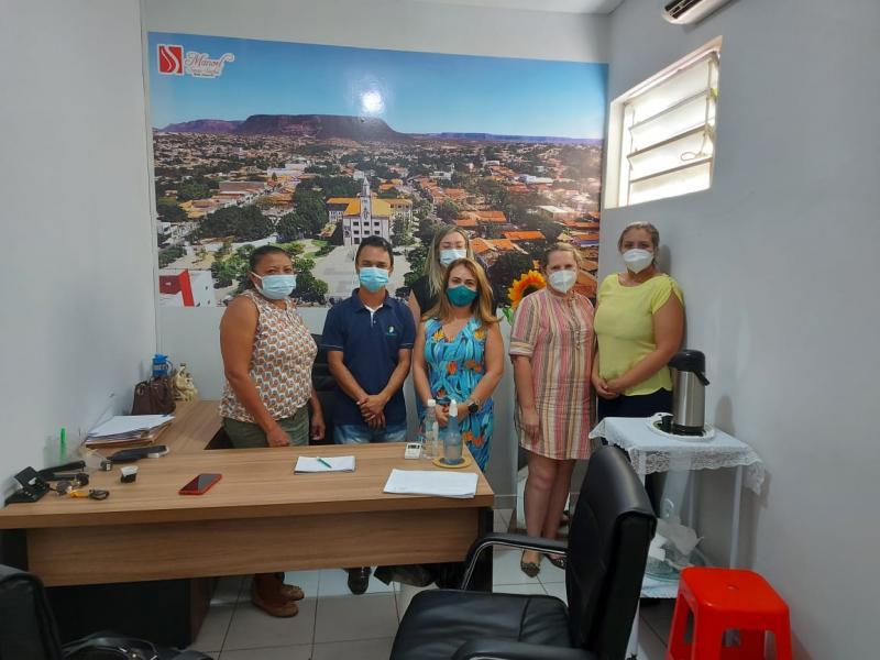 Secretária de saúde de Santa Luz Betânia busca parceria com Hospital Regional   de Bom Jesus