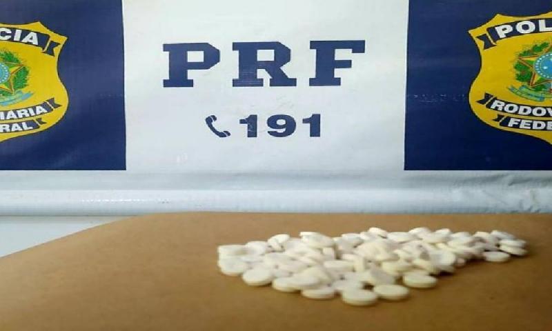 PRF atua caminhoneiro por está portando Rebites para consumo na BR-135 em Redenção do Gurguéia