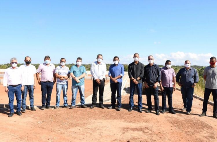 Presidente da Agespisa visita lagoas do esgotamento sanitário de Floriano