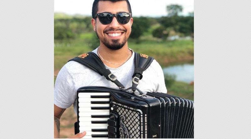 Cantor e sanfoneiro de 24 anos morre após passar mal em cidade do Piauí