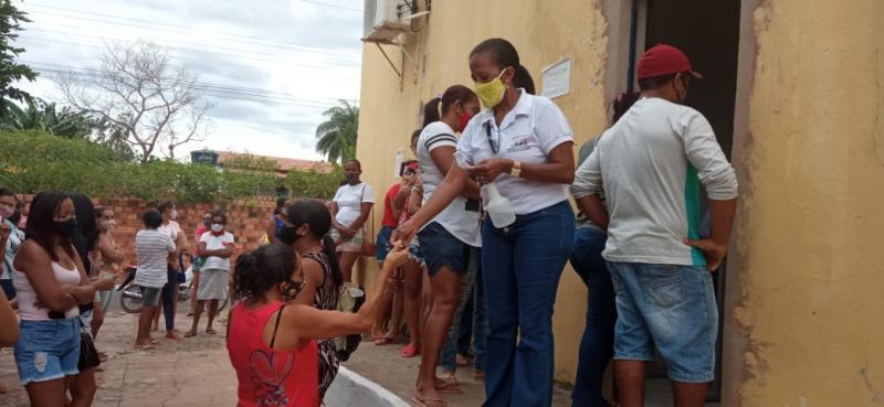 Elizeu Martins: Sec. Assistência Social realizou entrega de alimentos para beneficiários do BF
