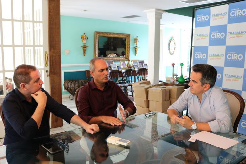 Prefeito Oscar Bandeira e pré-candidato Murilo Bandeira tem encontro com Senador Ciro Nogueira