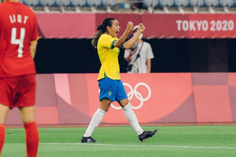 Na estreia do futebol feminino nos Jogos Olímpicos, Brasil goleia China por 5 a 0