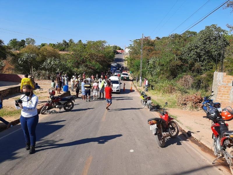 Caminhão desgovernado desce ladeira, atropela e mata idoso no Sul do Piauí
