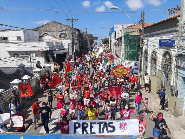 Manifestação contra Bolsonaro em São Luís neste sábado (24)