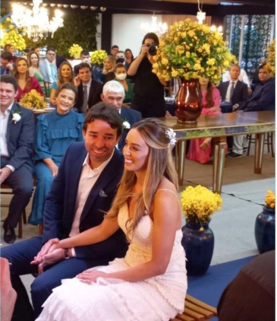 Deputado Marden Menezes se casa com biomédica em cerimônia restrita em Teresina