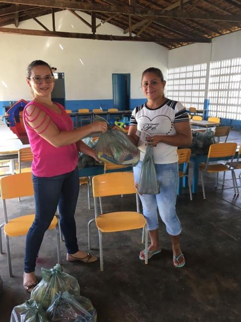 Prefeitura de Sigefredo Pacheco  começa a entrega de Kits da merendar escolar para carentes