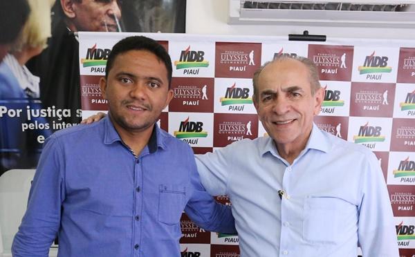 Vereador Vanderley filia-se ao MDB e será pré-candidato a prefeito em Santa Cruz dos Milagres