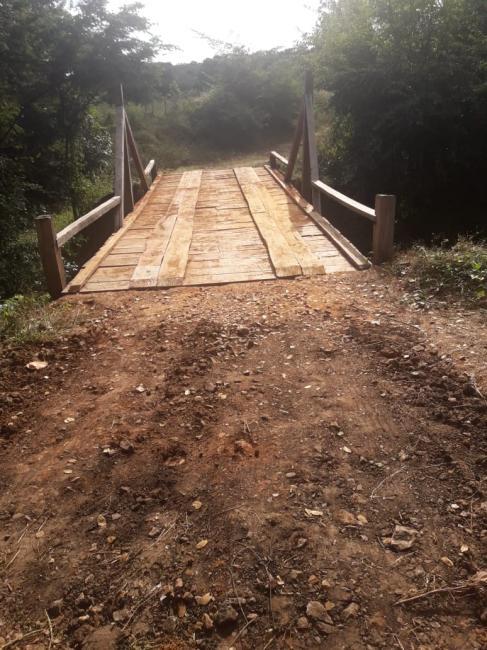Prefeitura de Cristalândia recupera pontes na zona rural do município.