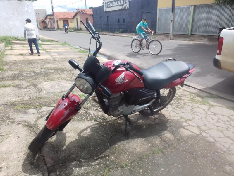 Motocicleta abandonada por roubo é recuperada pela polícia militar de União