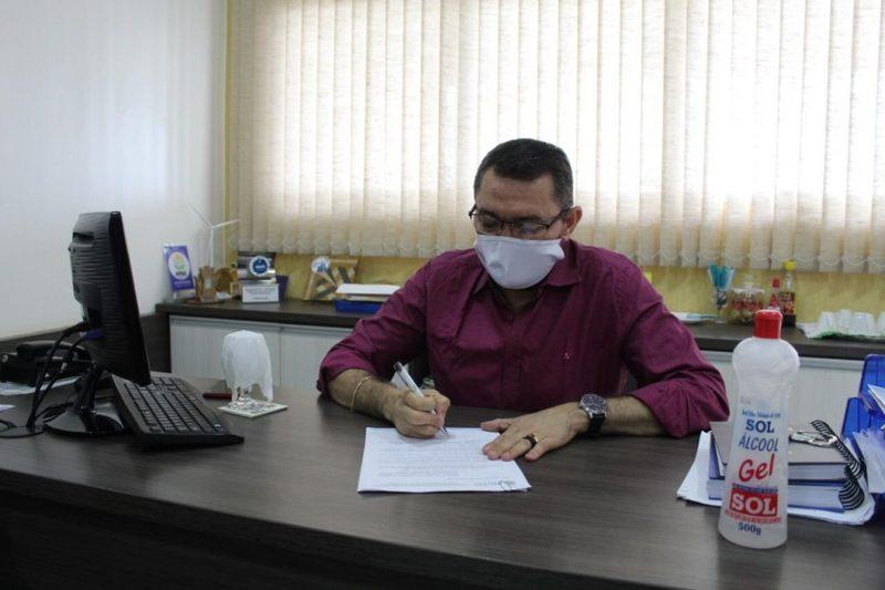 Prefeito de Picos sanciona lei que antecipa feriados municipais