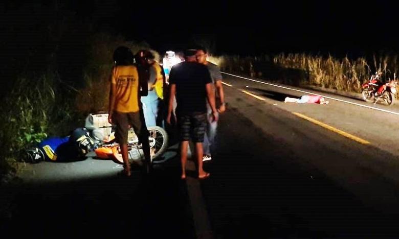 Colisão entre moto e bicicleta deixa duas pessoas feridas na BR 343