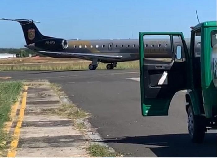 Avião da PF desembarca em Teresina e deixa muita gente apreensiva; veja o vídeo