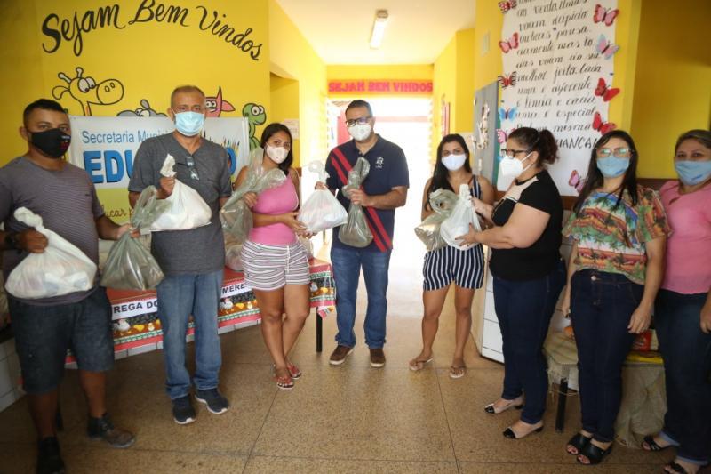 Prefeitura de Altos inicia nova etapa da distribuição de kits de alimentos para alunos