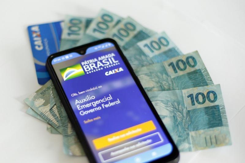 Auxílio emergencial: veja as datas para transferências e saque em dinheiro