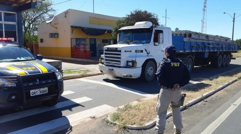 PRF recupera carreta que havia sido roubada há mais de 22 anos no Sul do Piauí