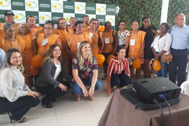 Grupo de Idoso de Cabeceiras participa do encontro estadual de idosos da FUNPAPI em Teresina
