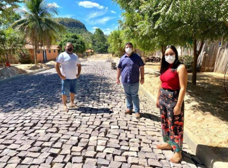 Prefeito de Palmeirais visita obras nas comunidades Penicilina e Cruzinha