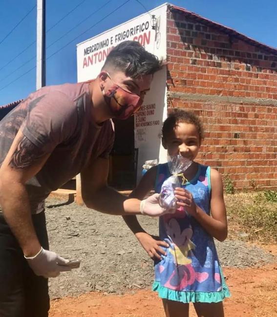 Assistência de Jatobá Do Piauí entrega kit's de hegiene para crianças e idosos no município