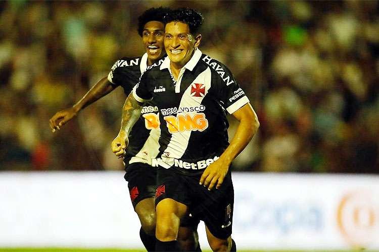 Vasco joga mal no Piauí, empata com Altos, mas se classifica na Copa do Brasil; veja os gols