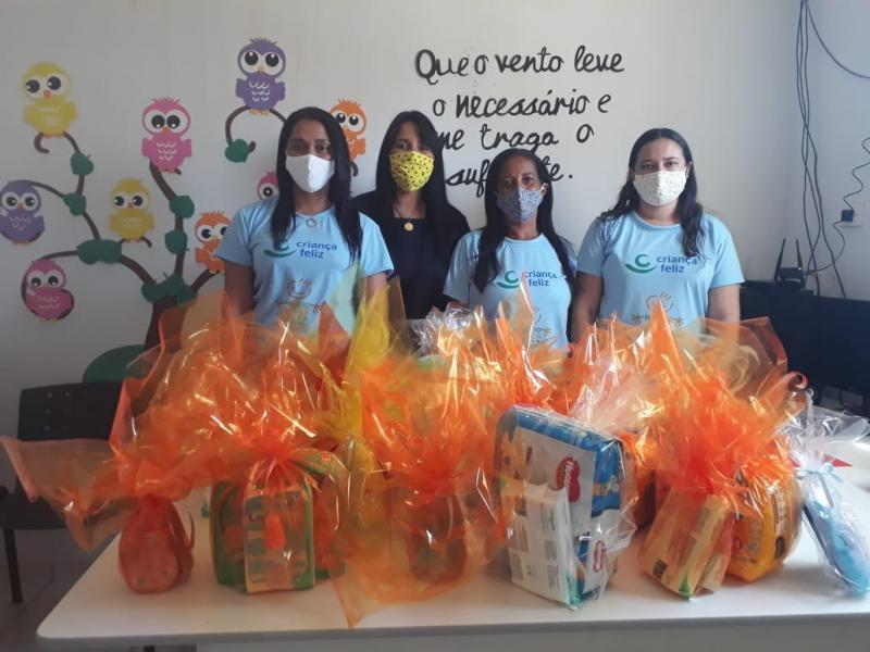 Eliseu Martins: Equipe do Programa Criança Feliz realiza entrega de kits para gestantes