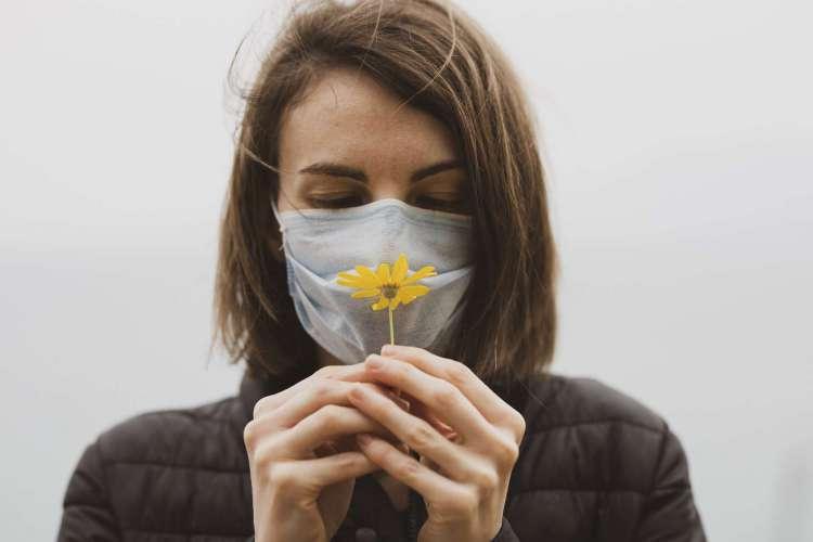 Perda de olfato e paladar na Covid-19 pode ser irreversível, indicam análises