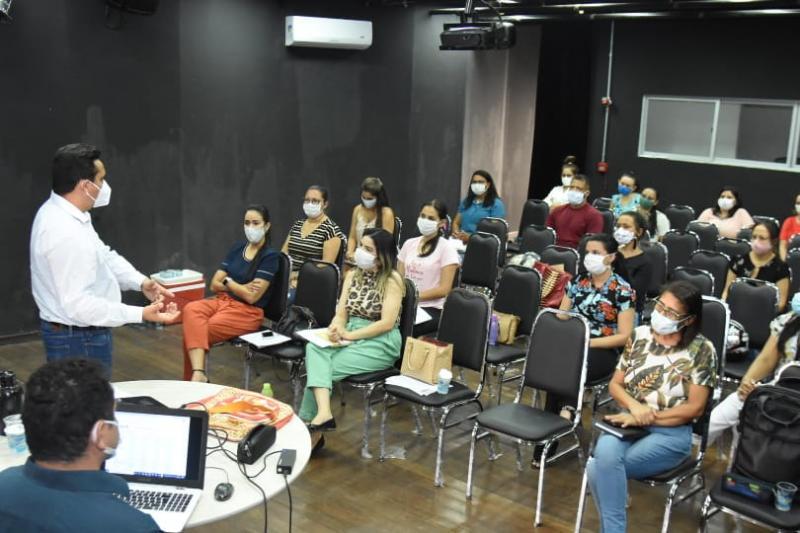 Gestores da SMS de Floriano participam de reunião sobre o Programa Previne Brasil