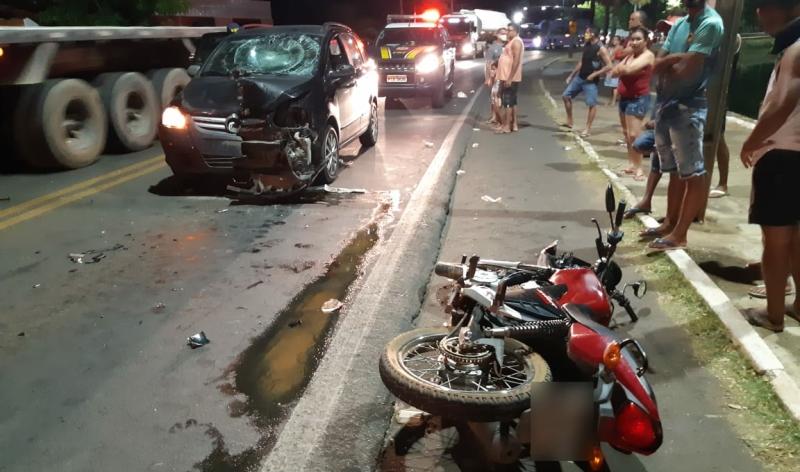 Condutor bêbado invade pista e atropela dois jovens na BR 343, no Piauí
