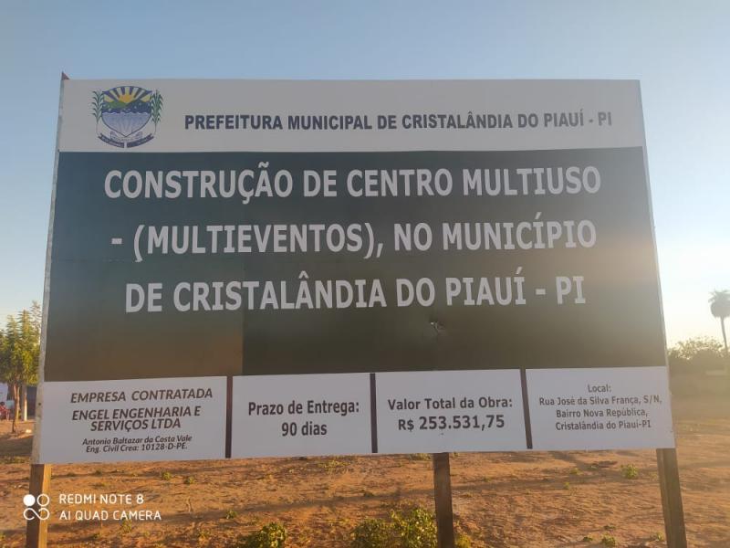 Prefeitura de Cristalândia inicia construção do centro multiuso (multieventos).