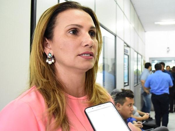 'Prefeita do Piauí' busca a Justiça após ter 'cadela' batizada com seu nome