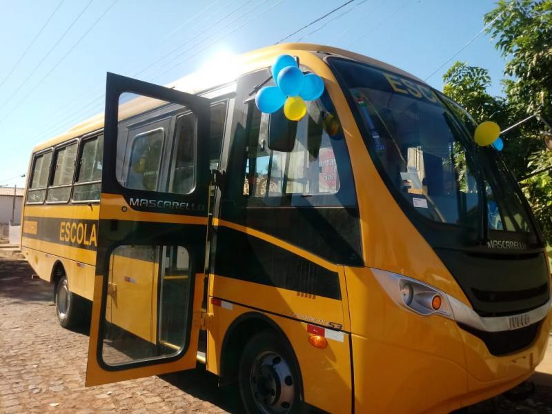 Jatobá do Piauí recebe ônibus escolar destinado pelo senador Ciro Nogueira
