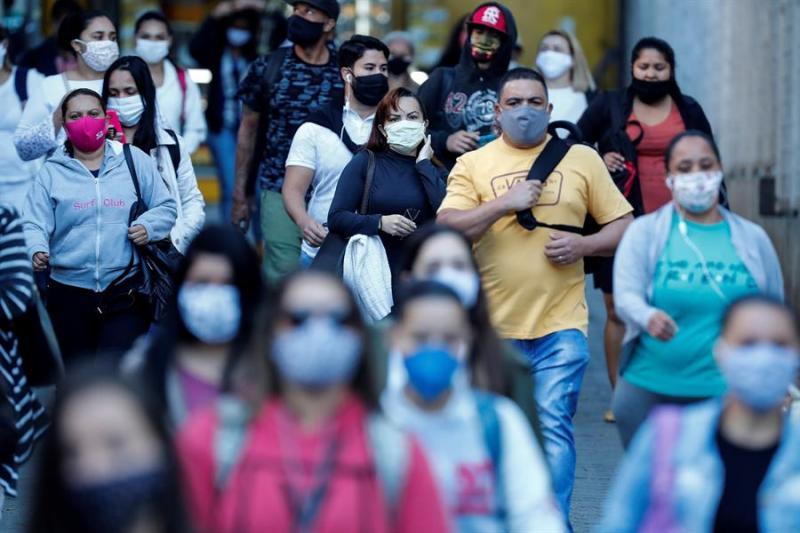 Brasil tem 15 estados com queda de mortes por Covid-19