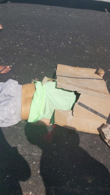 Motociclista morre após ser atropelado por caminhão na zona Norte