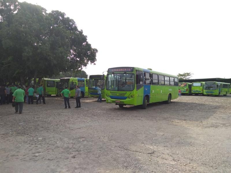 Teresina registra 10 ônibus assaltados em uma semana; 36 arrastões em dois meses