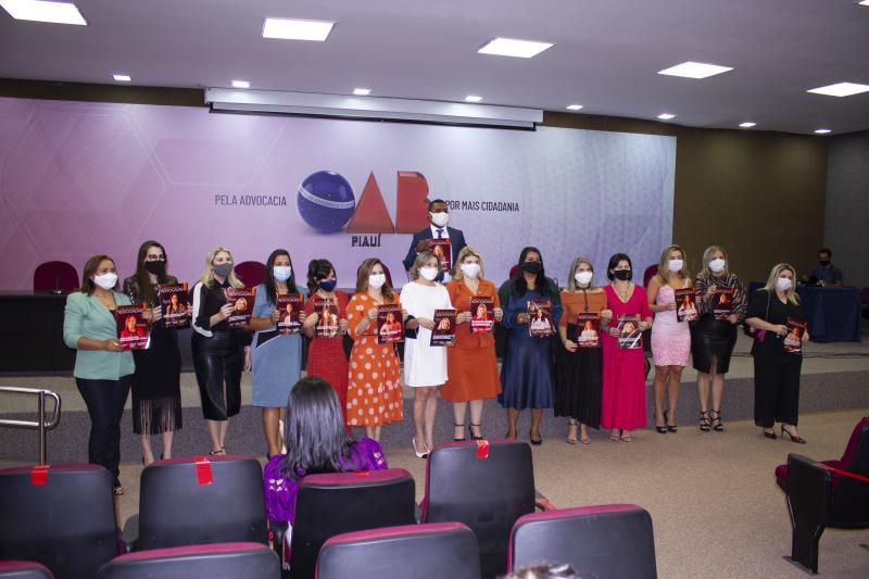 Lançamento da Revista Especial Advogadas na OAB Piauí
