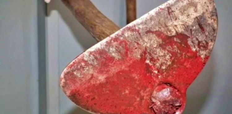 Homem mata cunhado esmagando sua cabeça a golpes de enxada