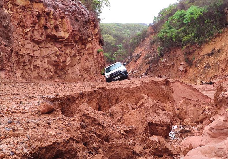 Sem obras há 20 anos, rodovia volta a romper e prejudicar escoamento da safra no Piauí