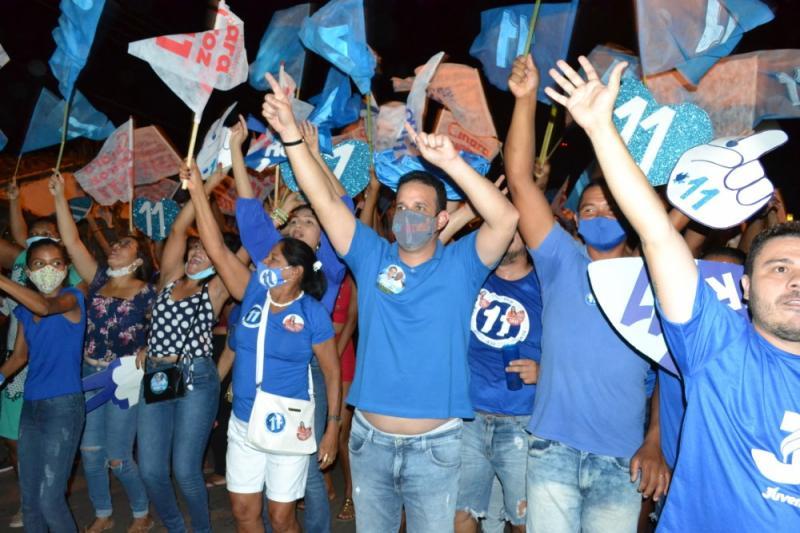 Multidão saem às ruas na grande caminhada do Diego Teixeira em Amarante