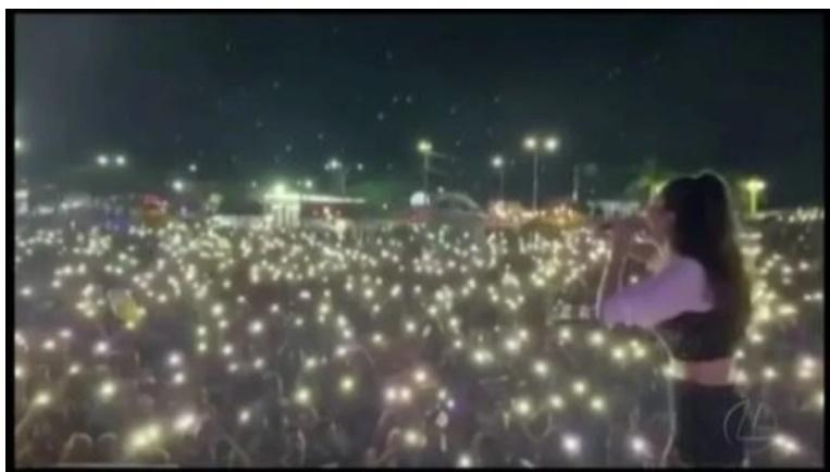 Milhares se reúnem em show realizado com verba pública