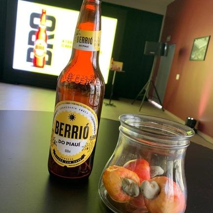 Cerveja 'Berrió', é lançada com sabor de caju e inspirada no Piauí; conheça!