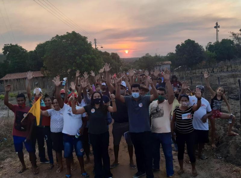 'Caminhada' mostra a força da candidatura de Everardo Araújo à Prefeitura de Curralinhos