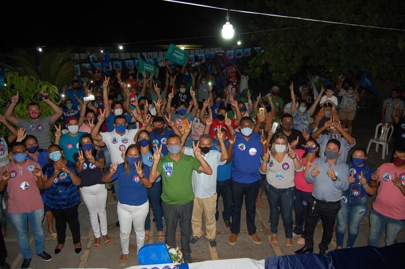 Karyne do Rodrigão realiza reunião no Bairro Gama em Cocal de Telha