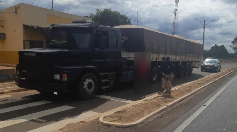 PRF recupera caminhão roubado na BR-316 em Picos